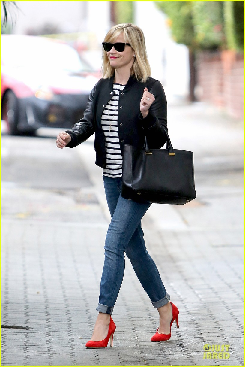 reese witherspoon bowling for 38th birthday 05