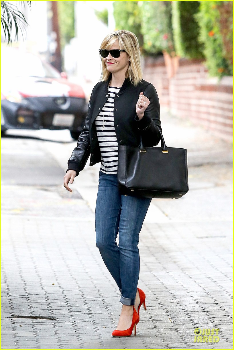 reese witherspoon bowling for 38th birthday 113078110