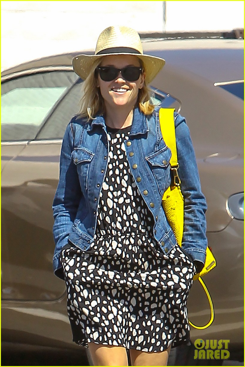 reese witherspoon starting lifestyle brand in 2015 08