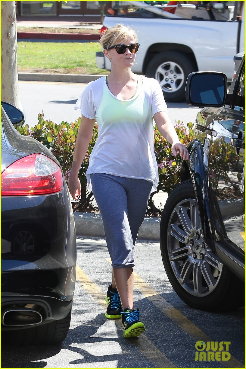 reese witherspoon naomi watts yoga partners 21