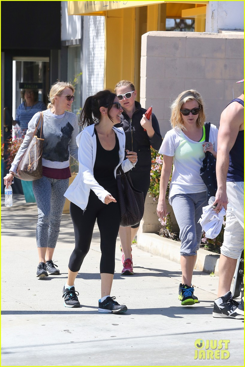 reese witherspoon naomi watts yoga partners 30