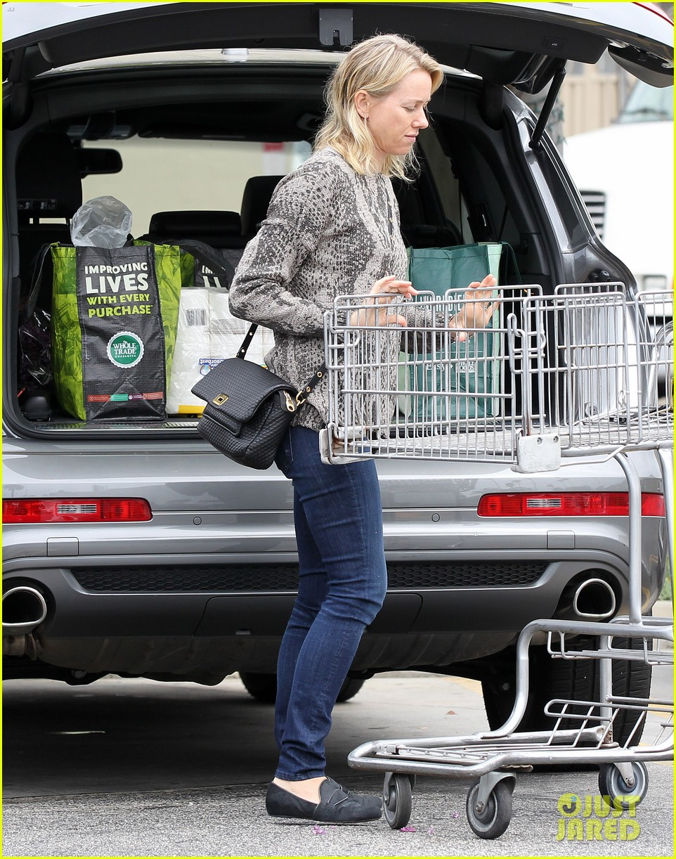 reese witherspoon naomi watts yoga partners 34