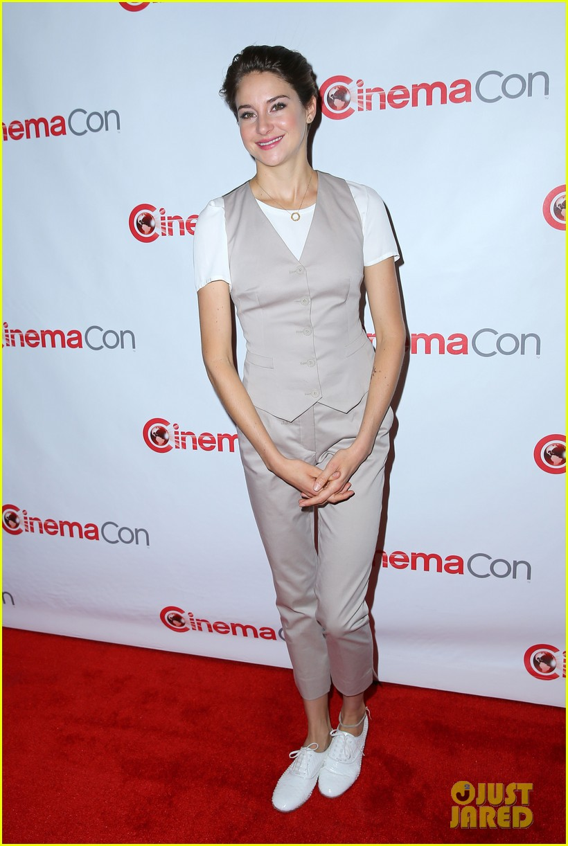 shailene woodley trades dress for slacks a vest at cinemacon 2014 10