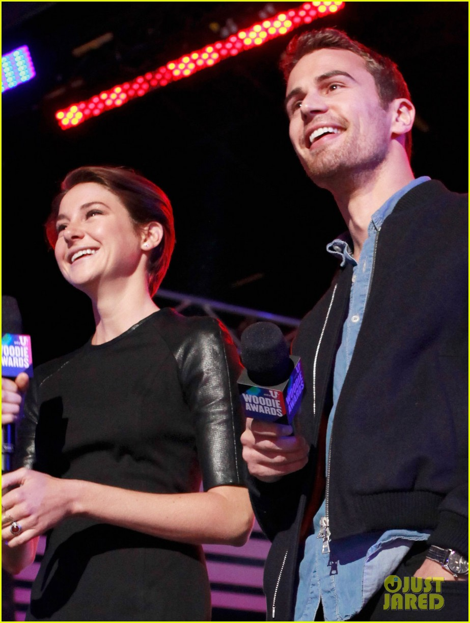 shailene woodley theo james mtvu woodie awards 053071679