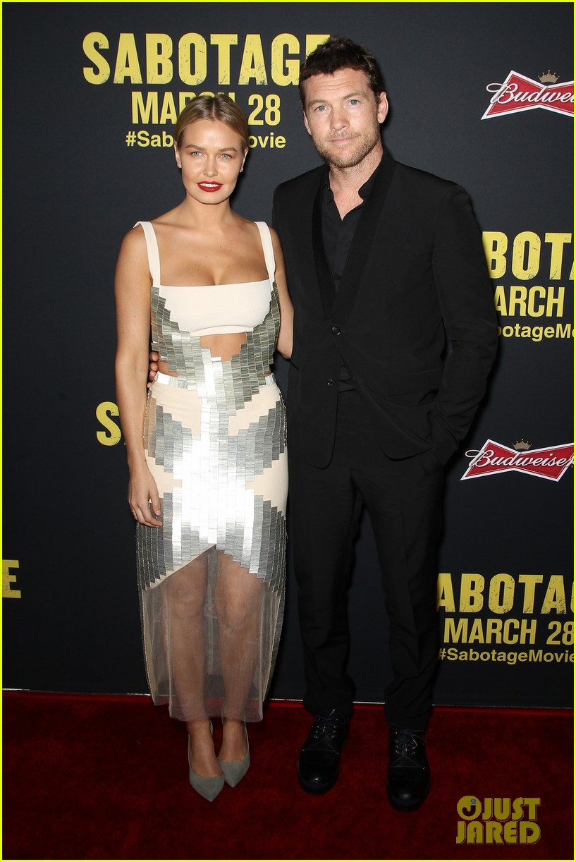 sam worthington lara bingle sabotage premiere 01