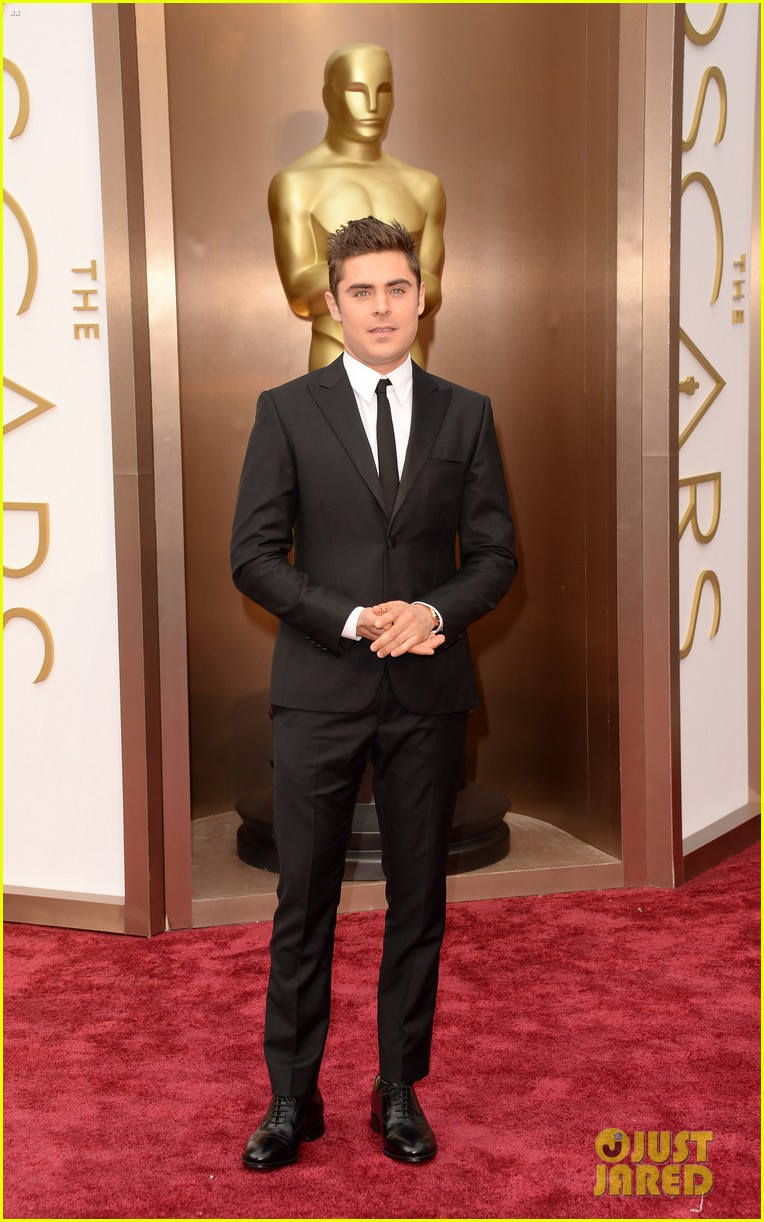 zac efron oscars 2014 red carpet 03