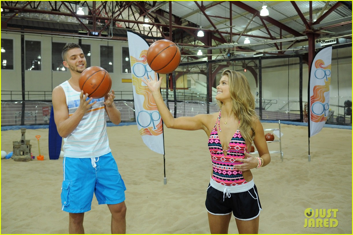 nina agdal shirtless hottie chandler parsons play basketball for ops spring kickoff 123082876