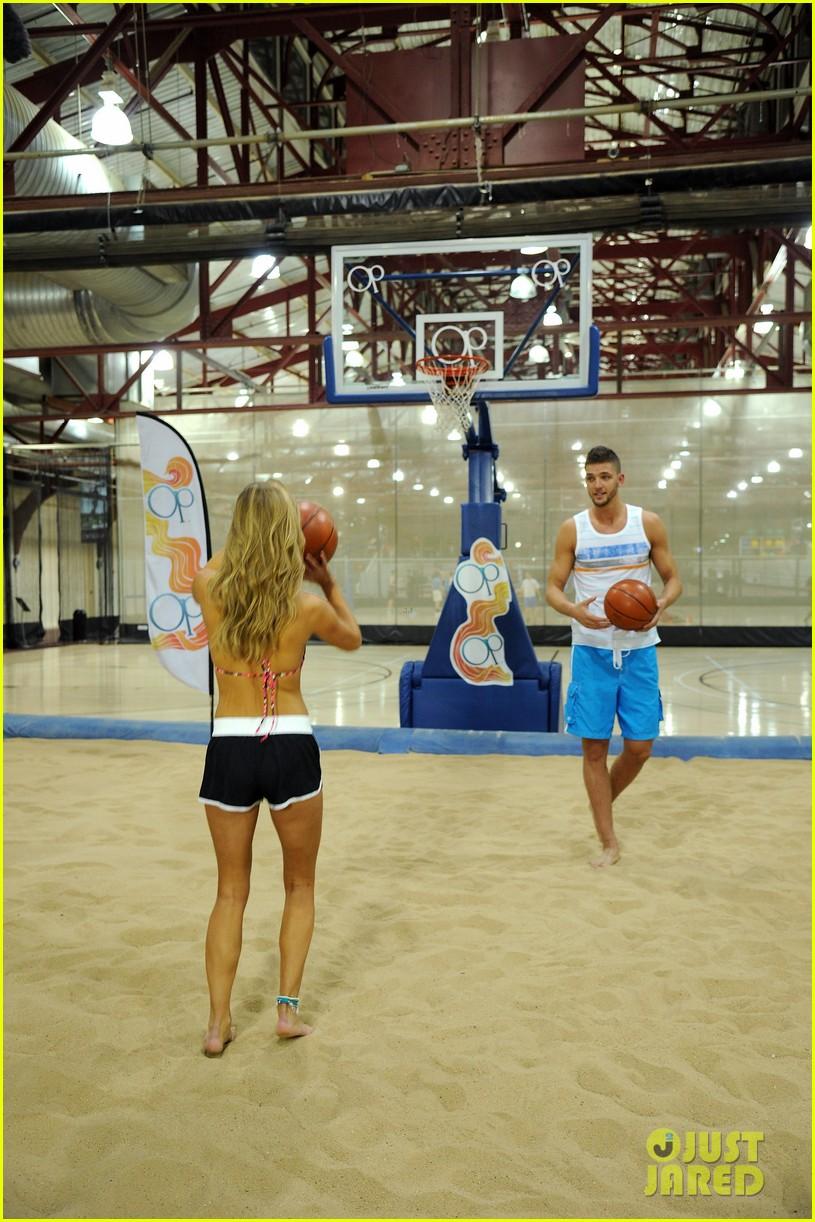 nina agdal shirtless hottie chandler parsons play basketball for ops spring kickoff 15