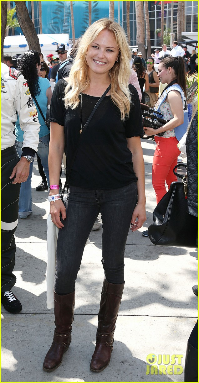 Full Sized Photo of malin akerman cheers on friend colin ... Malin Akerman Pictures