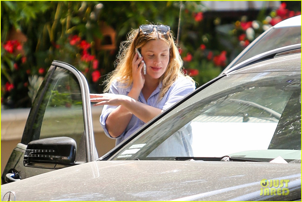 pregnant drew barrymore pop any day now 11