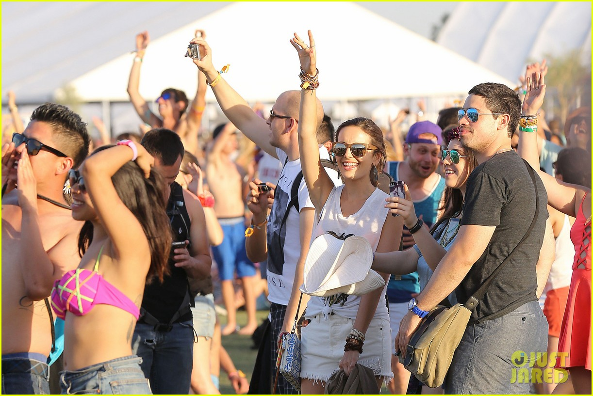 camilla belle rocks out at coachella 12