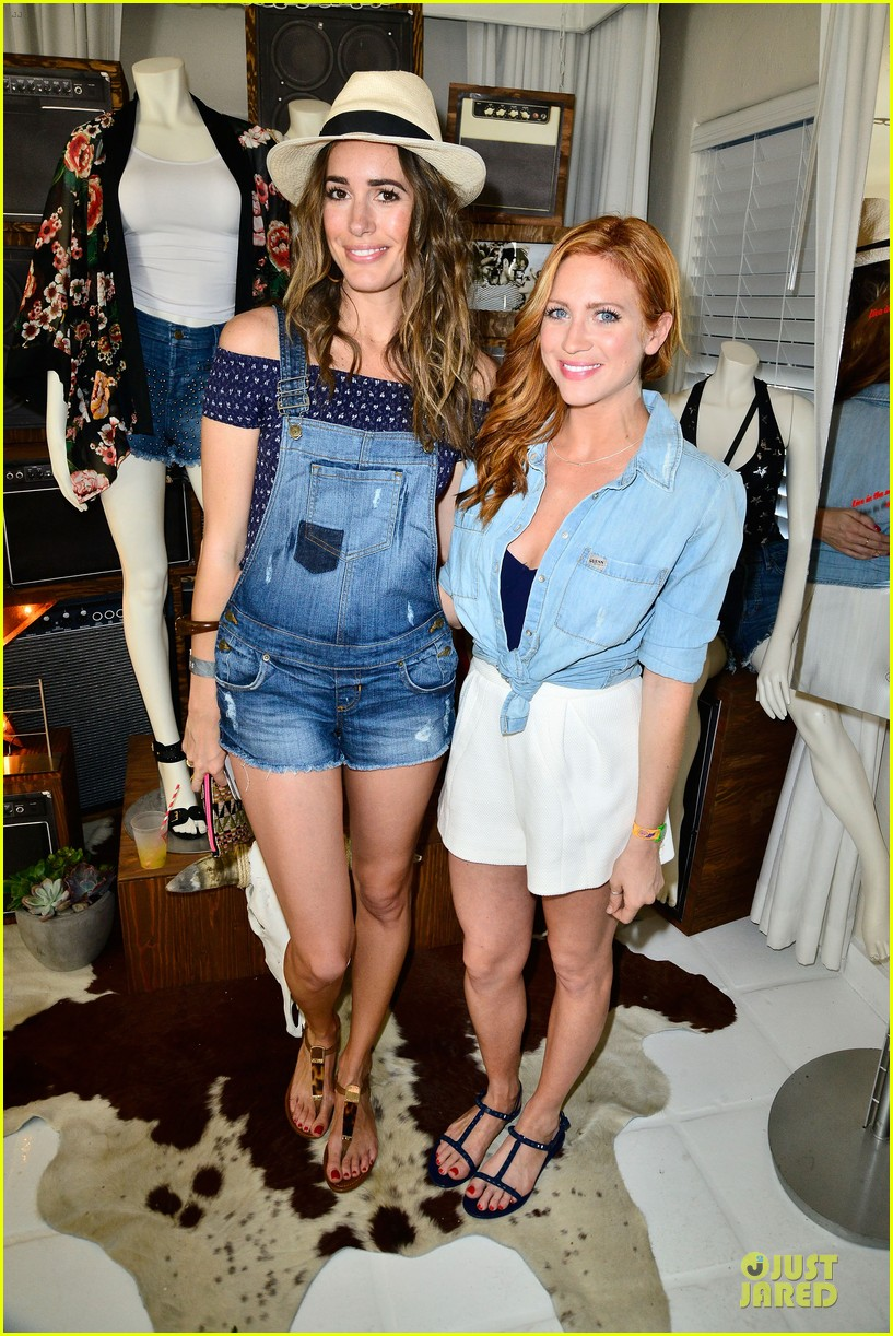 camilla belle brittany snow guess at coachella 053089845
