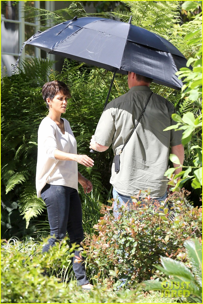 halle berry extant gains greys anatomy star 09