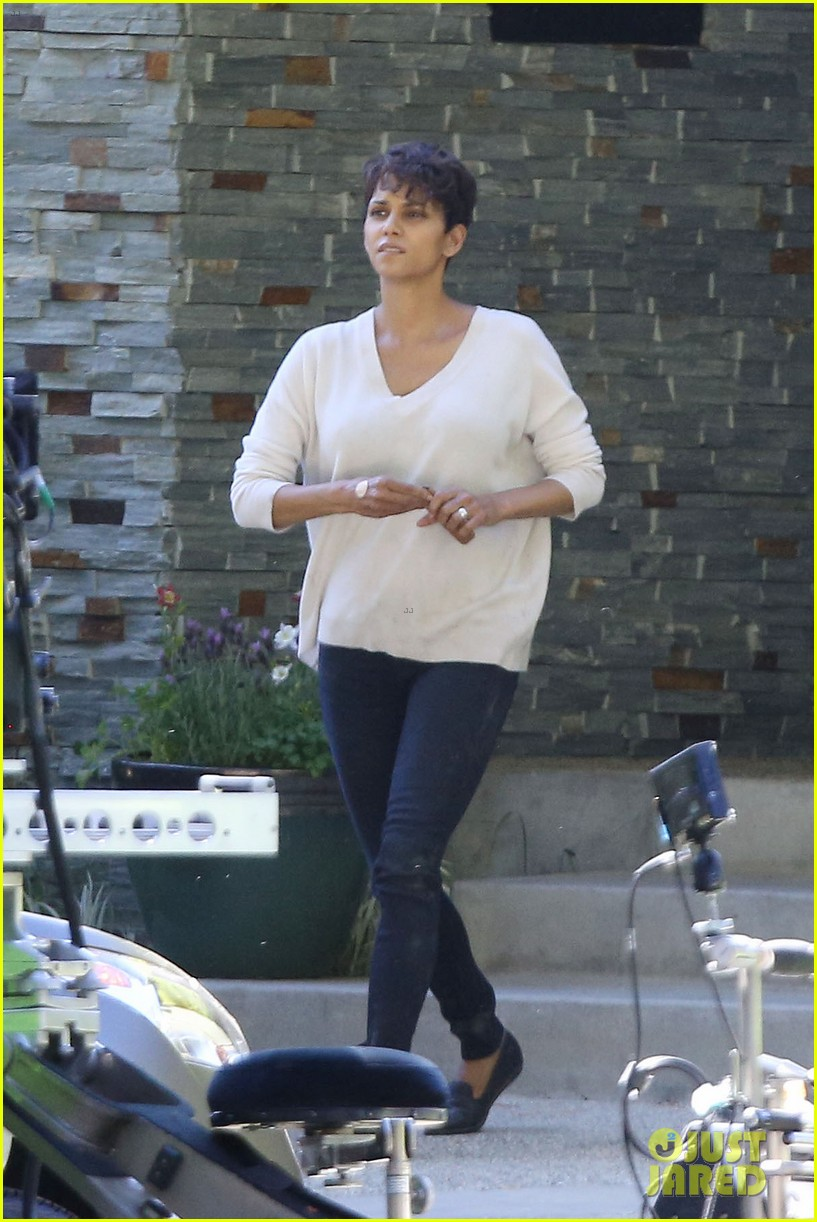 halle berry extant gains greys anatomy star 123088018