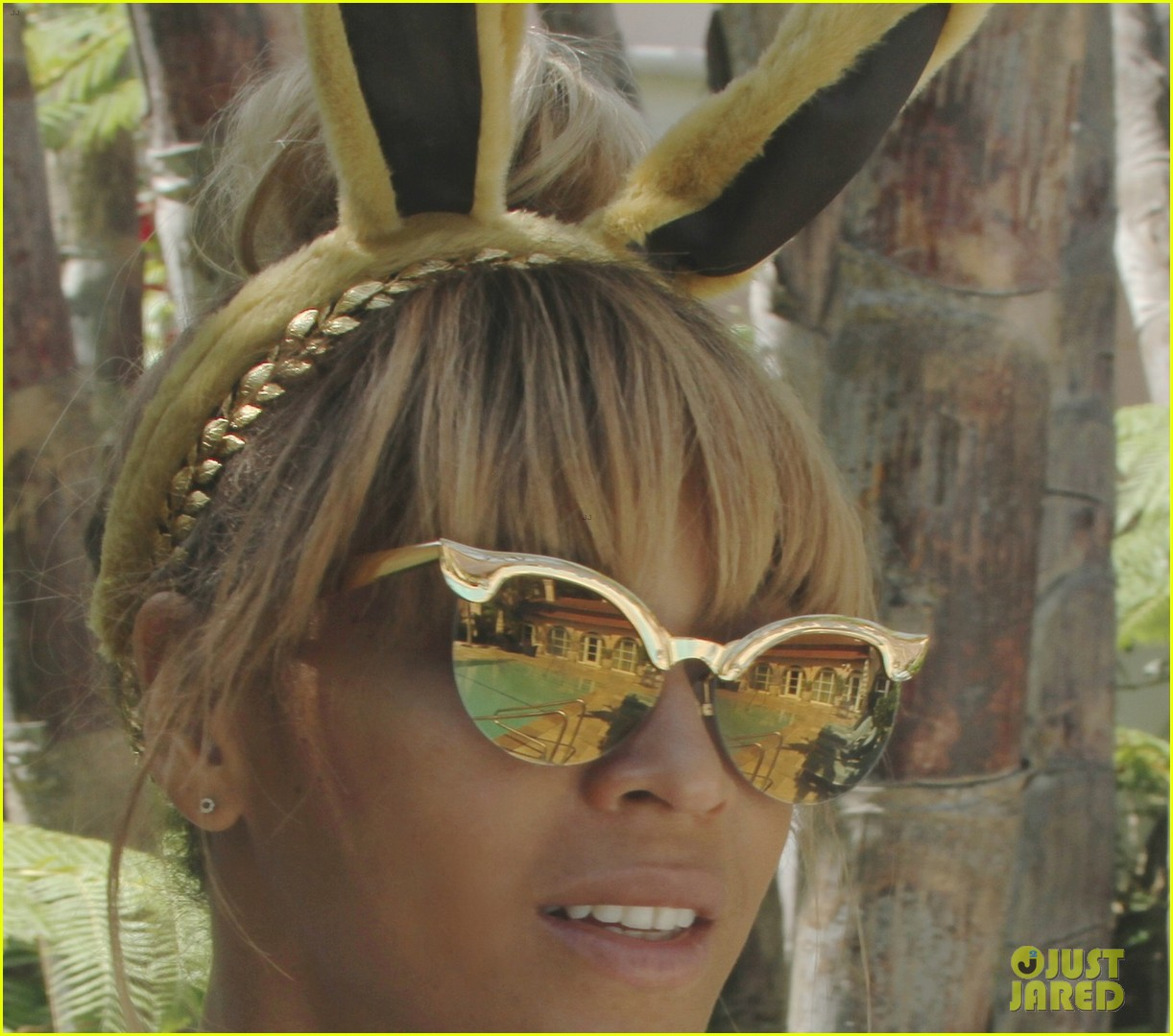 beyonce blue ivy meet the easter bunny 08