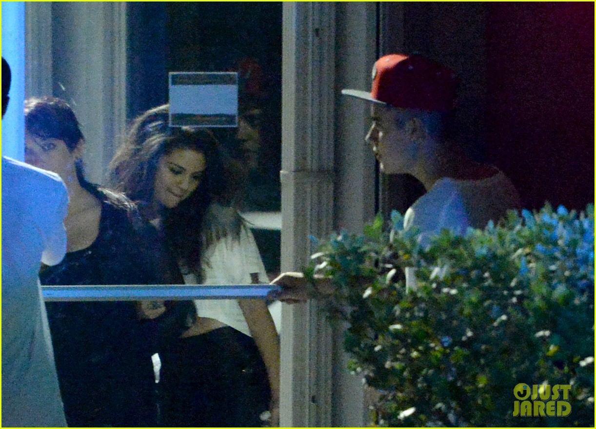 selena gomez joins justin bieber for a studio session 043087387