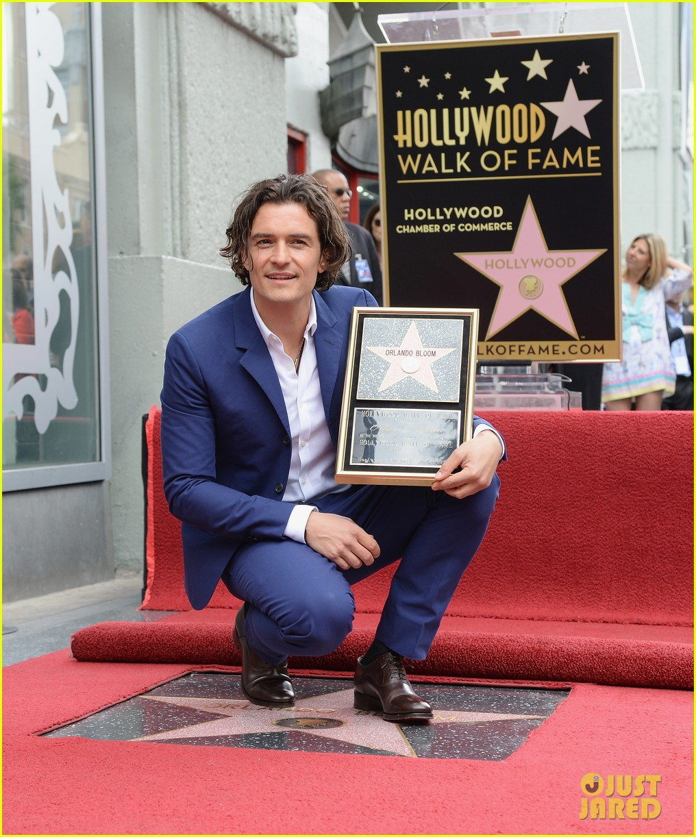 orlando bloom receives star on hollywood walk of fame 043083439