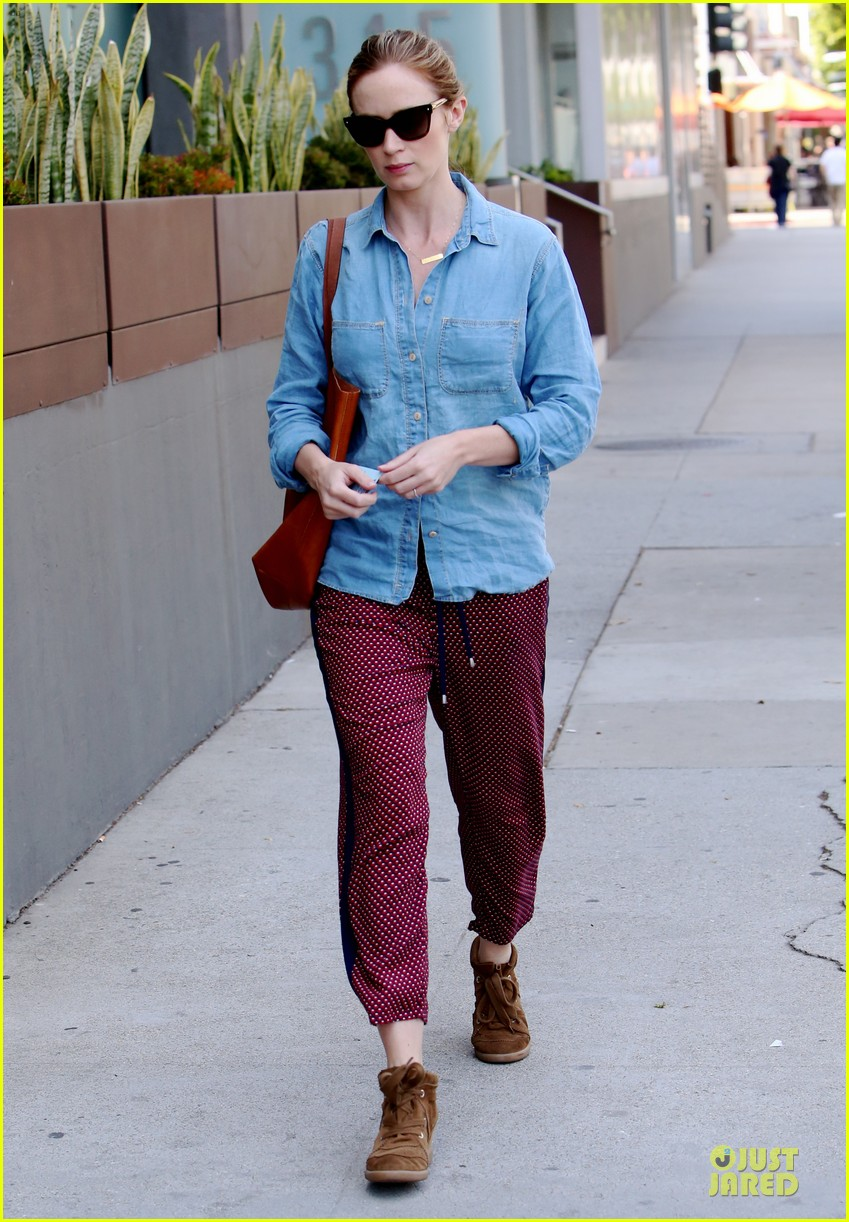 emily blunt denim shirt perfect mix 13