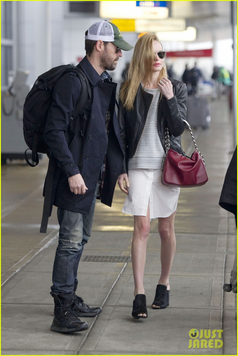 kate bosworth flies to nyc ahead of the met ball 11