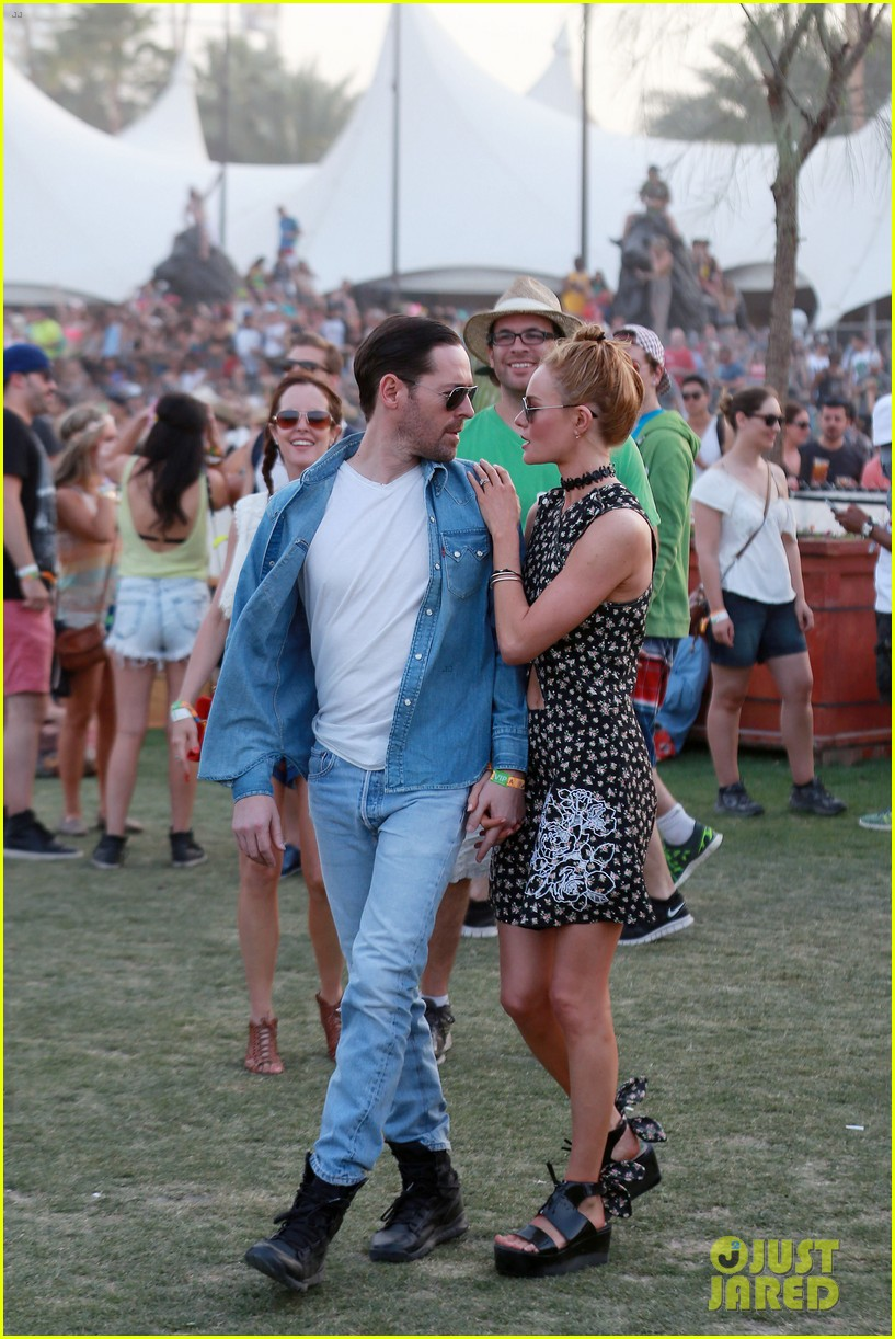 kate bosworth michael polish display pda at coachella 13