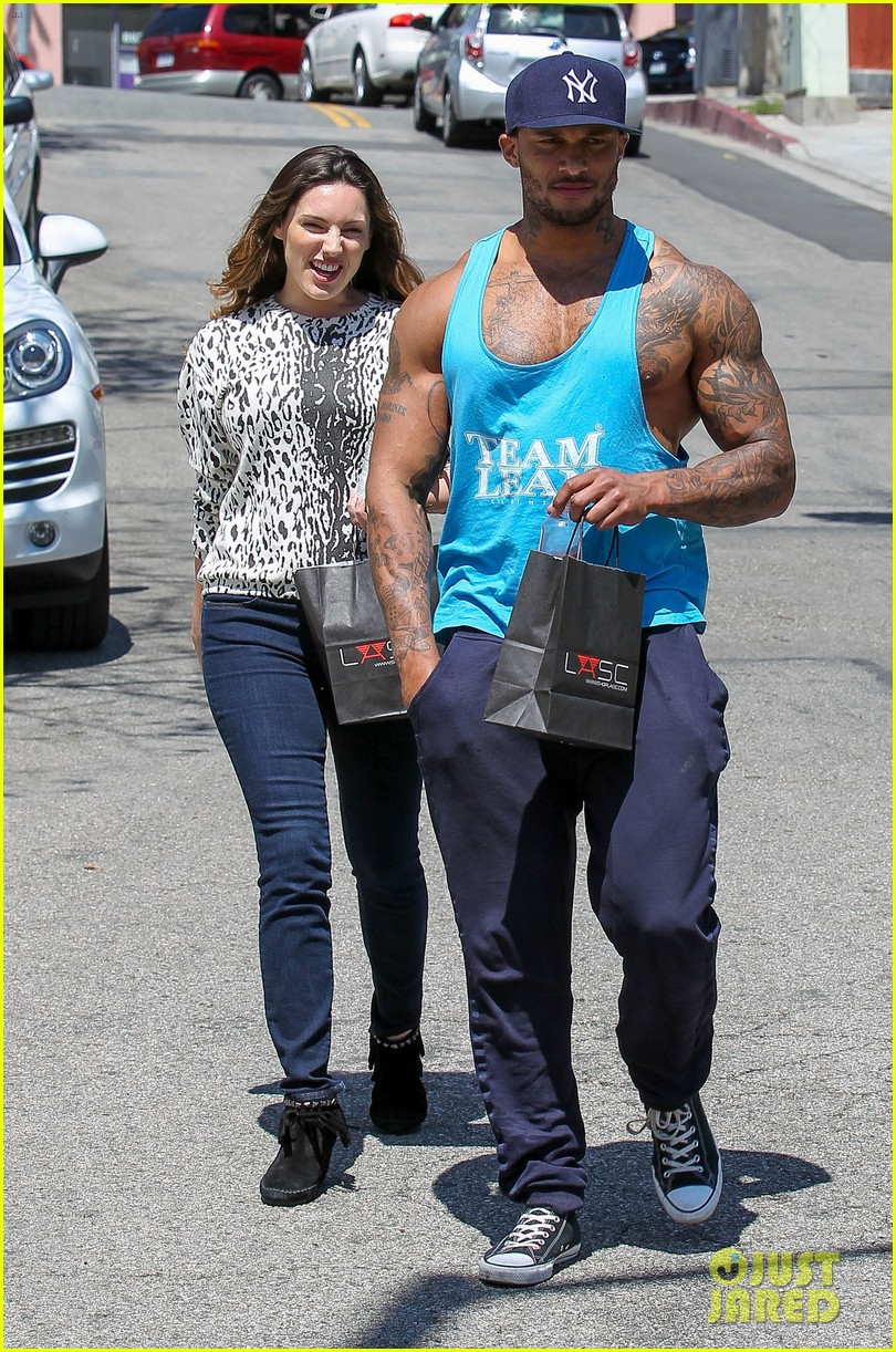 kelly brook boyfriend loves showing off beefed up body 043084812