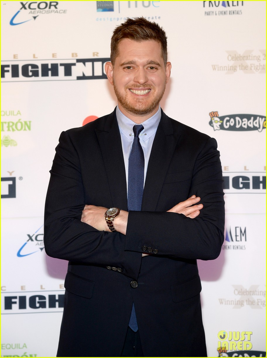 michael buble receives muhammad ali humanitarian award 033090884