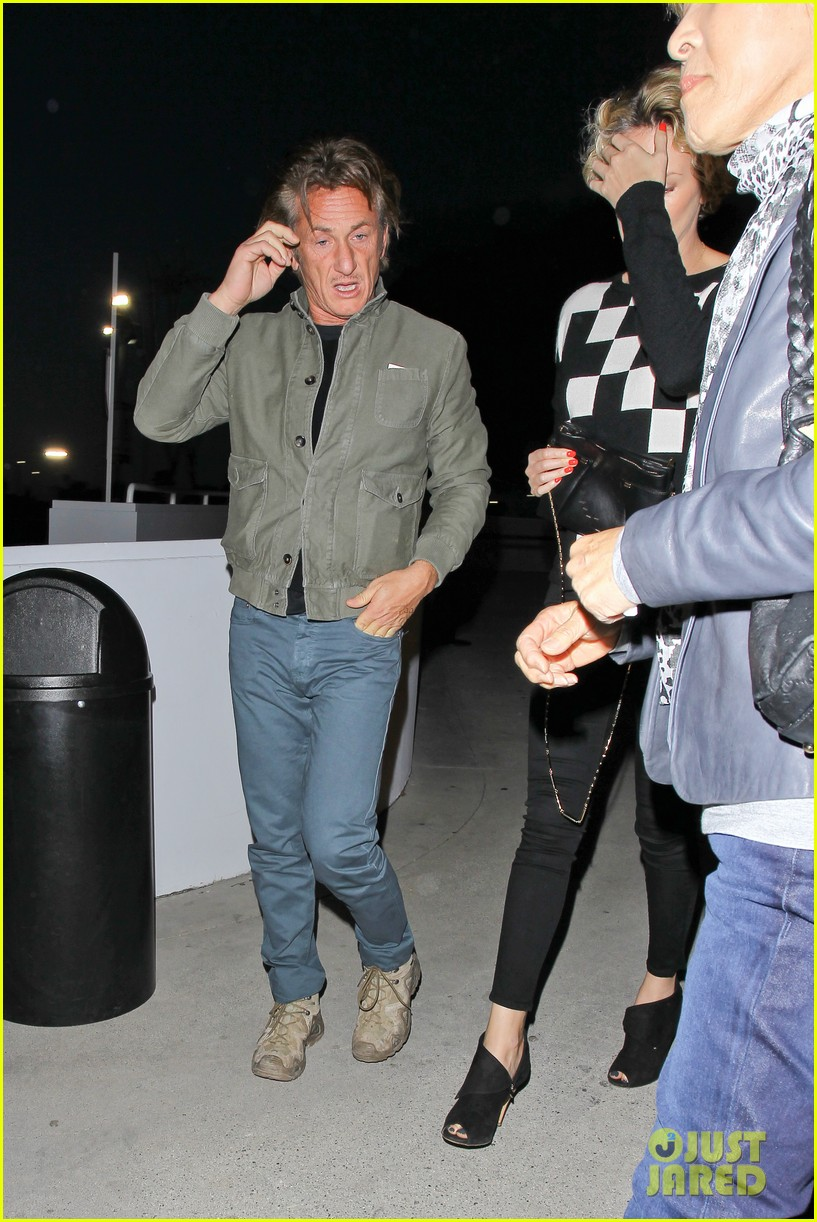 charlize theron sean penn not engaged yet 173100350