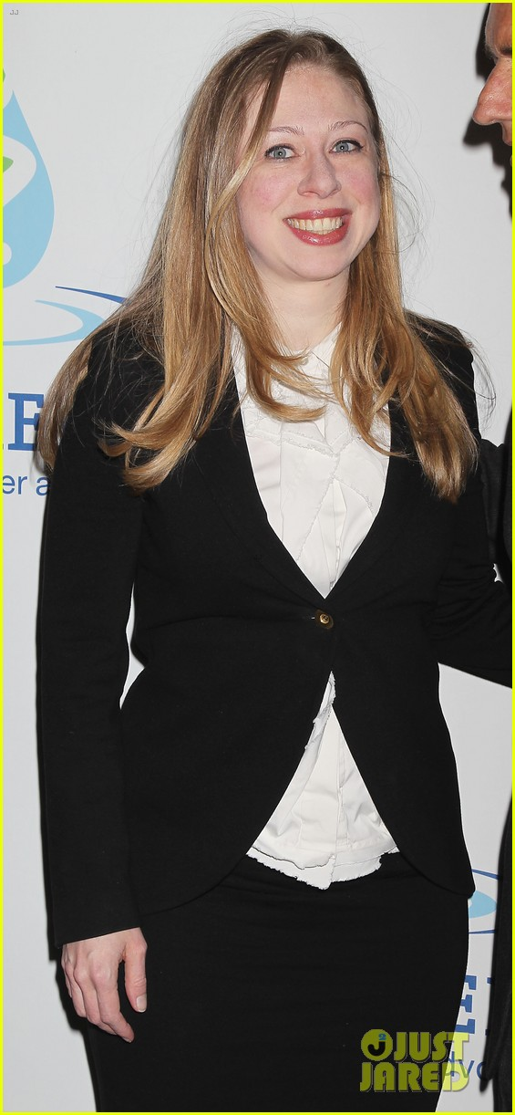 pregnant chelsea clinton makes appearance at riverkeeper event 21
