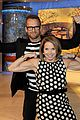 katie couric flexes her muscles 01