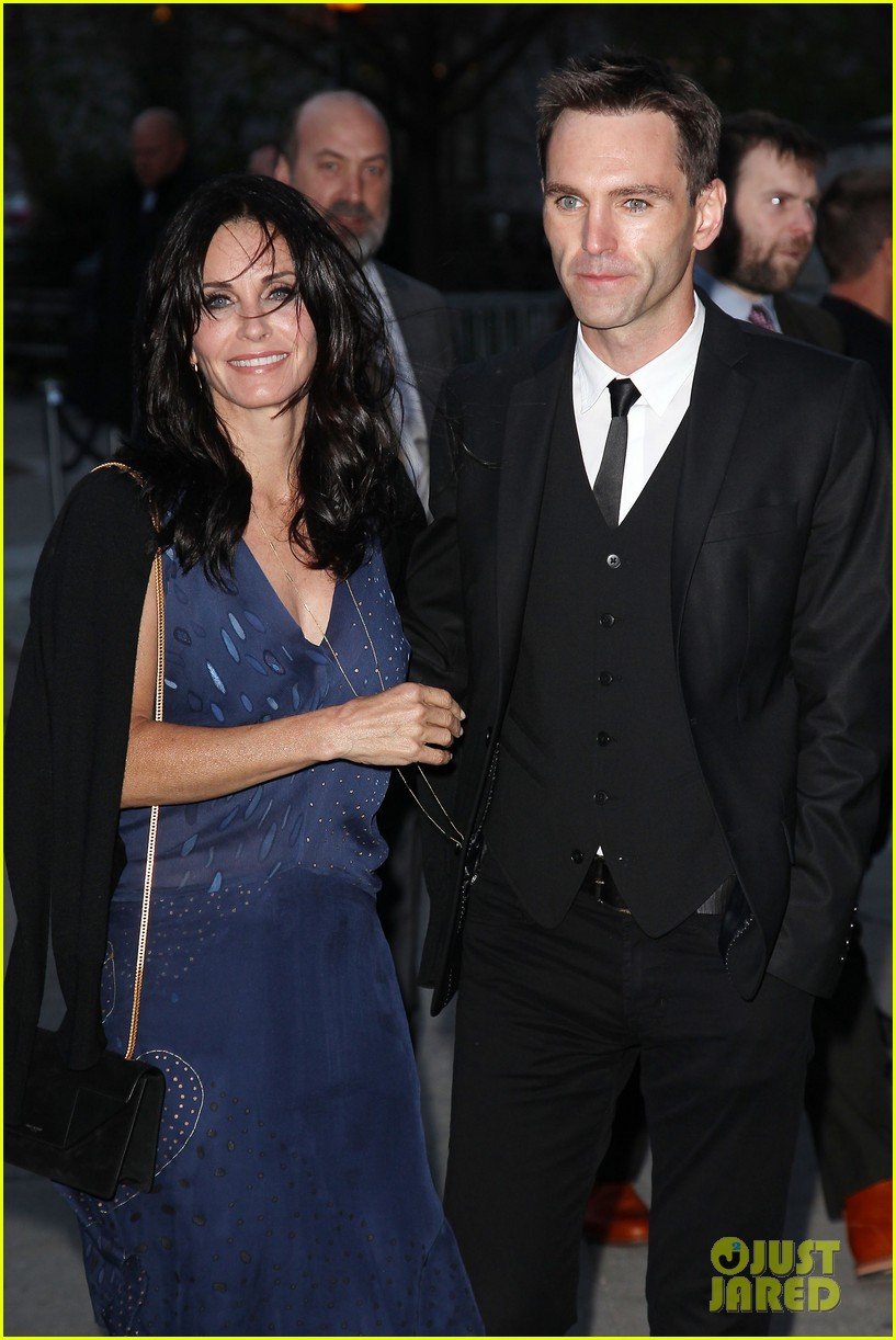 courteney cox kate walsh party with vanity fair at tribeca 16