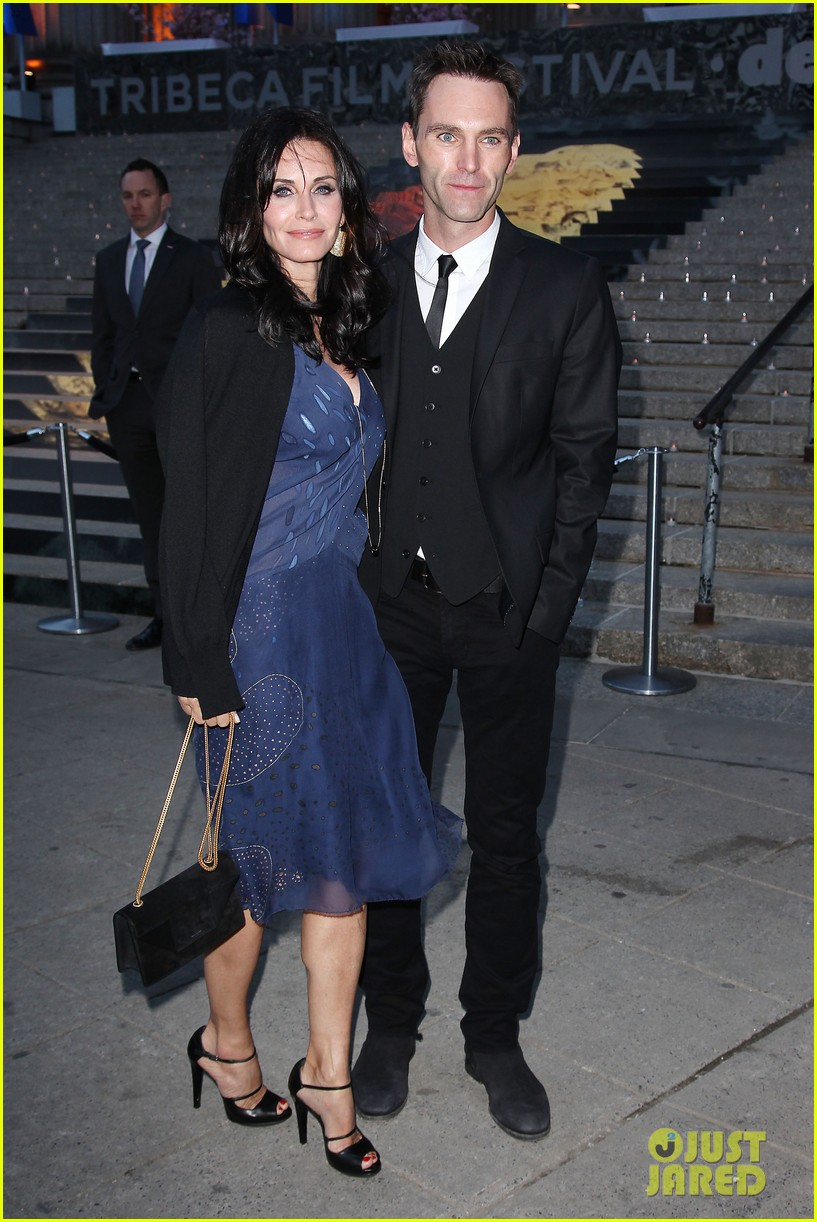 courteney cox kate walsh party with vanity fair at tribeca 19