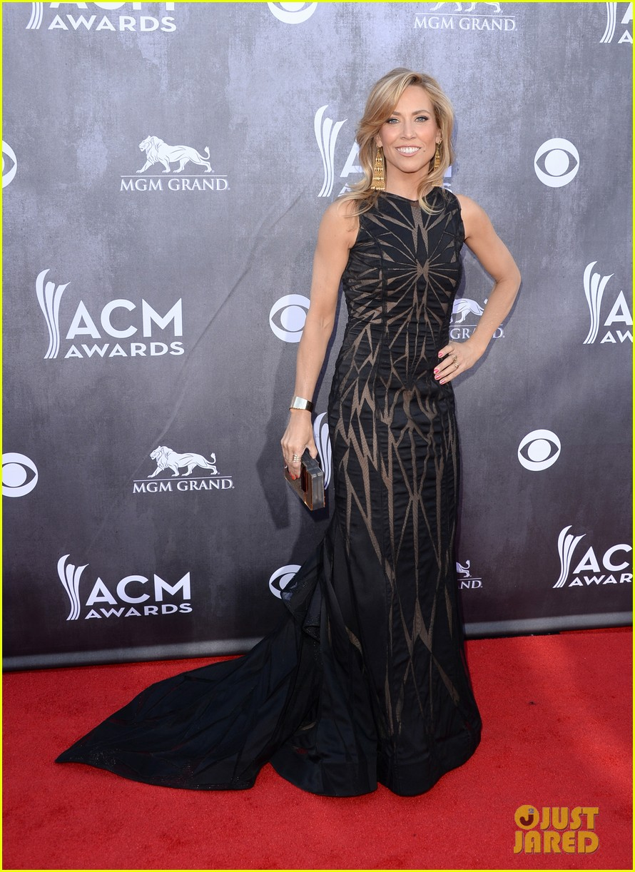 sheryl crow acm awards 2014 red carpet 05
