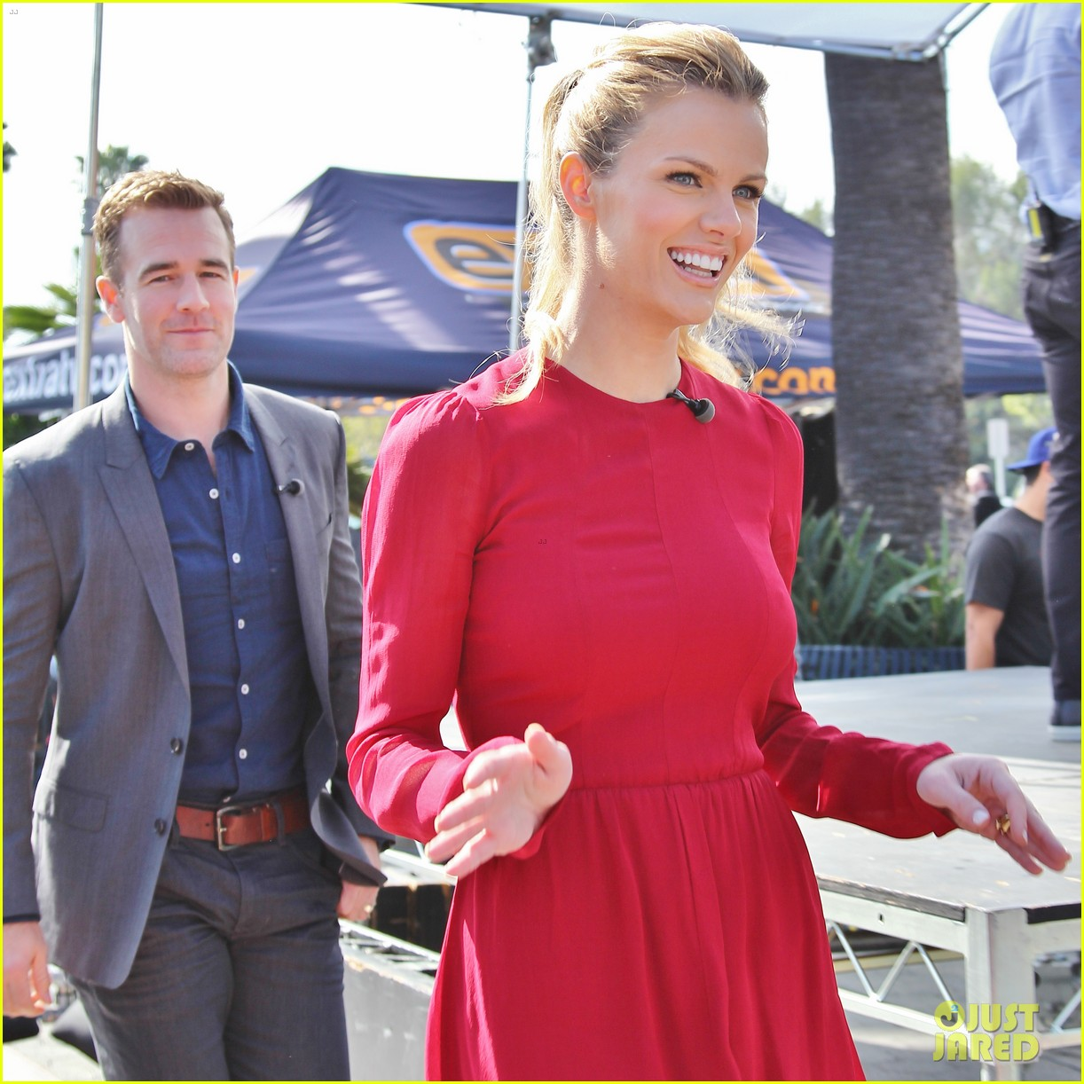 brooklyn decker james van der beek promote friends with better lives 12