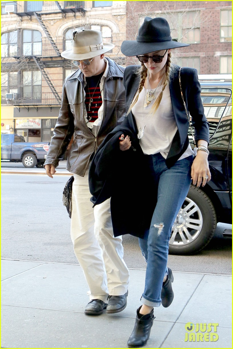 johnny depp amber heard step out together new york 05