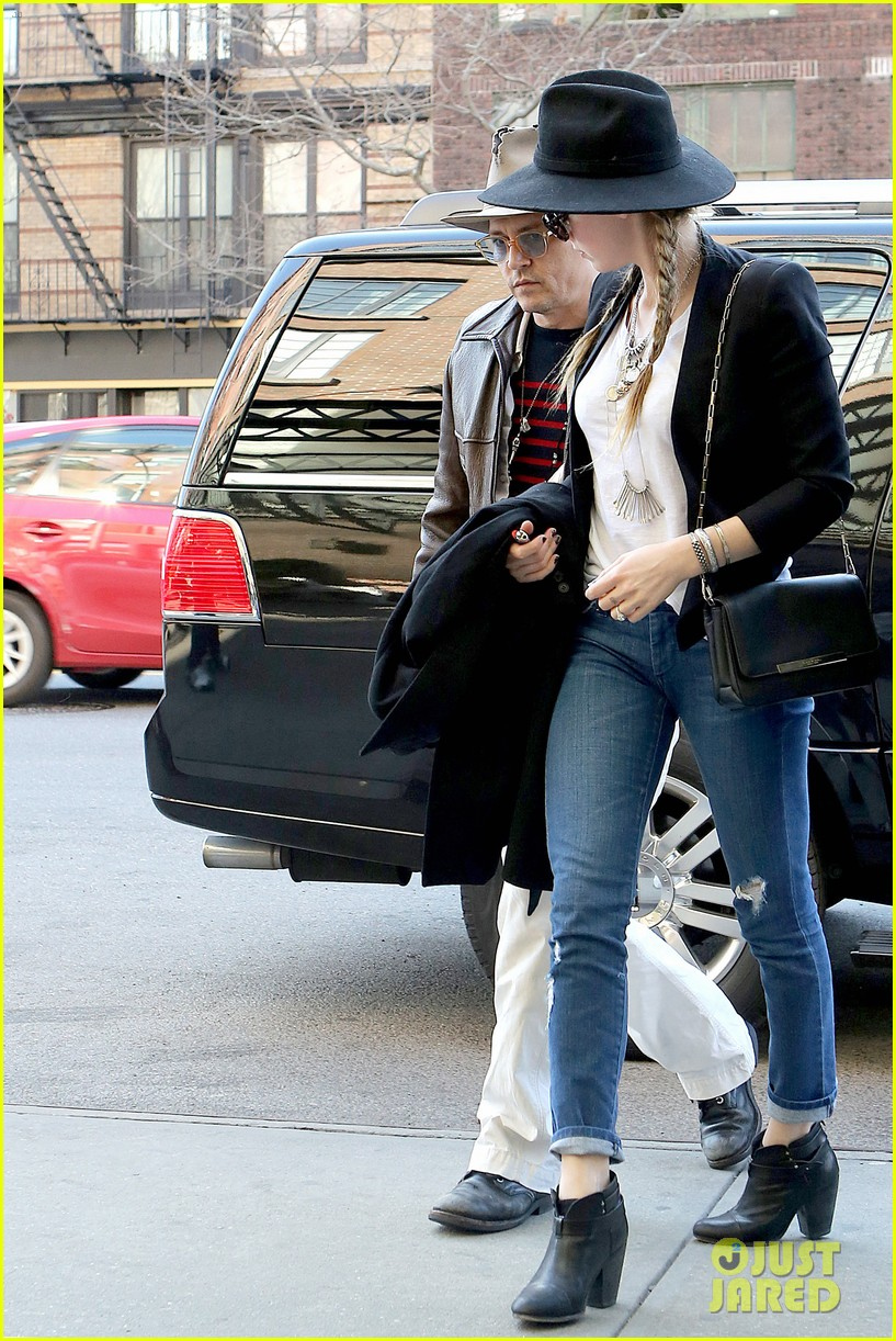 johnny depp amber heard step out together new york 14