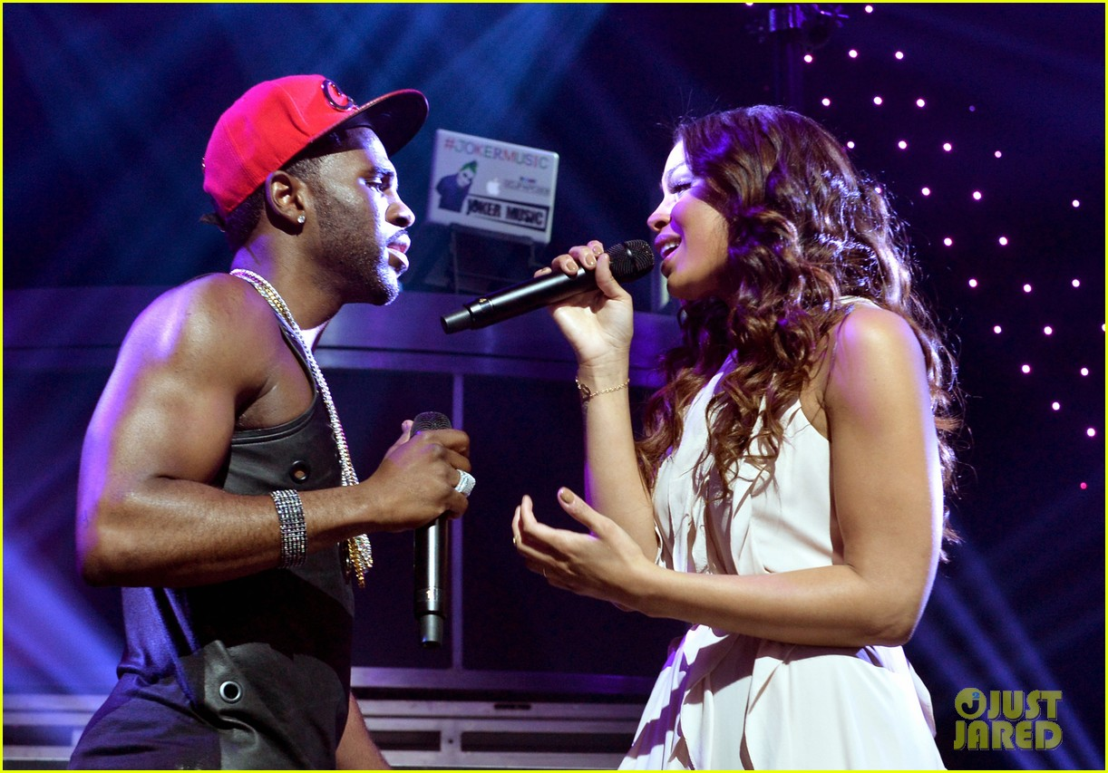 jason derulo rips off his shirt after passionate duet vertigo with jordin sparks 123093247