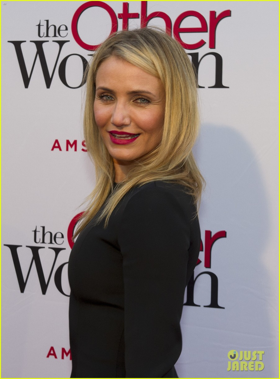 cameron diaz gets glam with kate upton leslie mann for the other woman 13