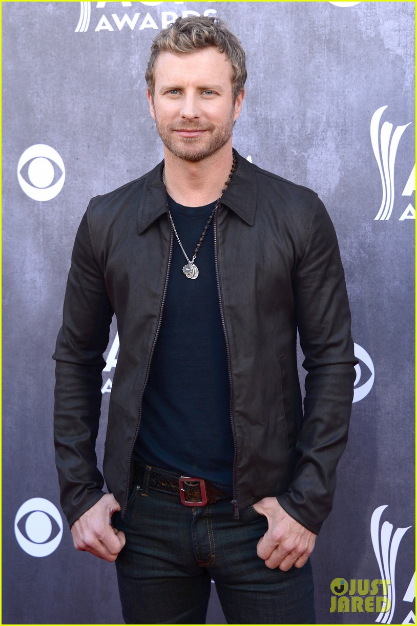 dierks bentley acm awards 2014 red carpet with wife cassidy 033085935