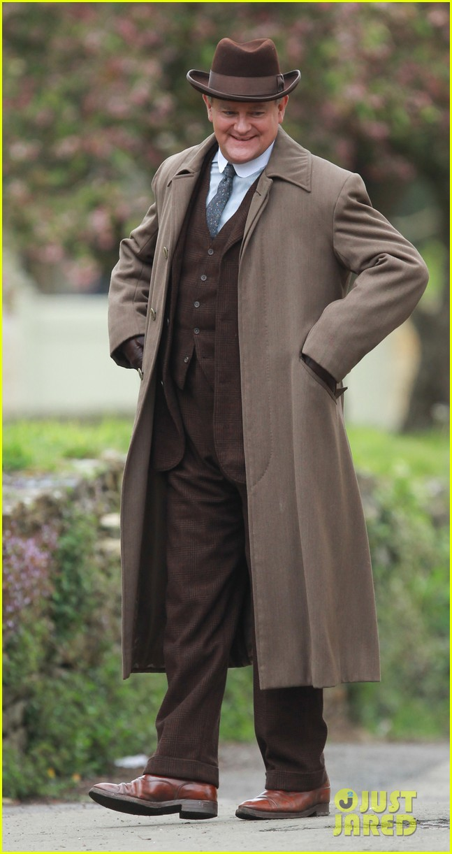 these downton abbey season five set pics are getting us really excited 053098149