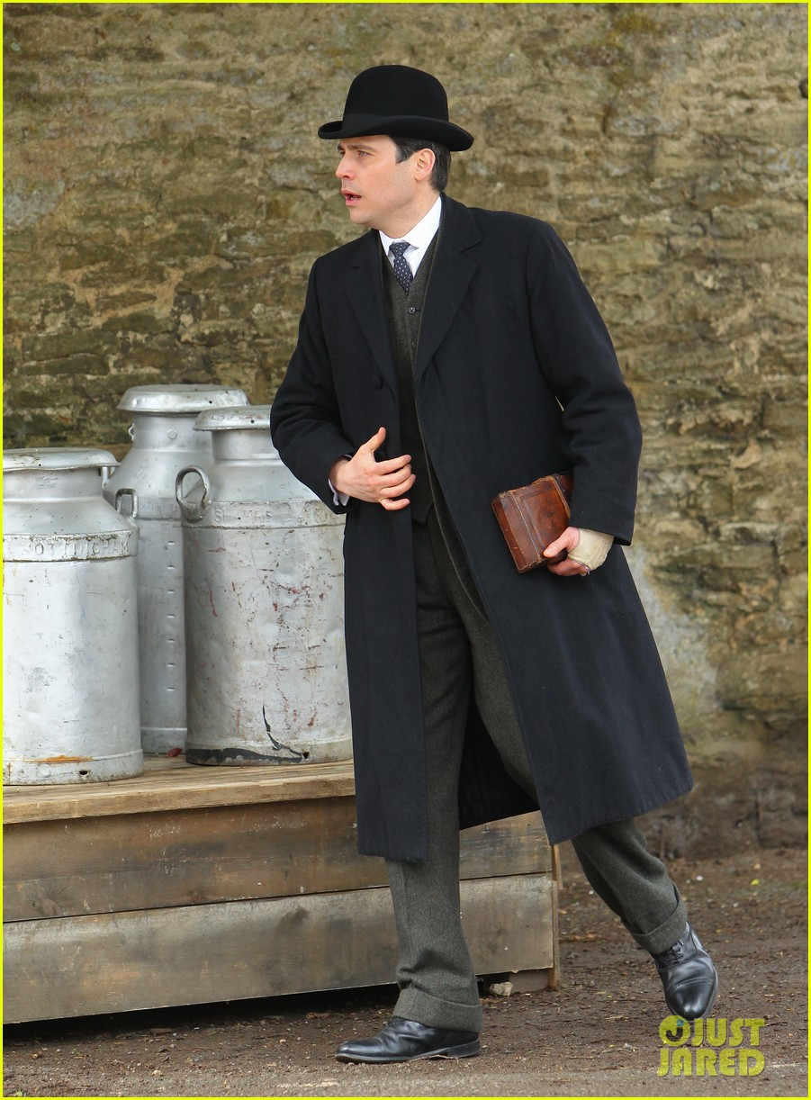 these downton abbey season five set pics are getting us really excited 26