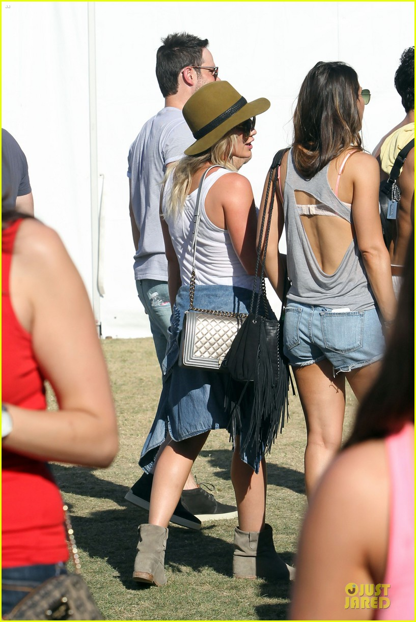 hilary duff mike comrie friendly affair at coachella 213089527