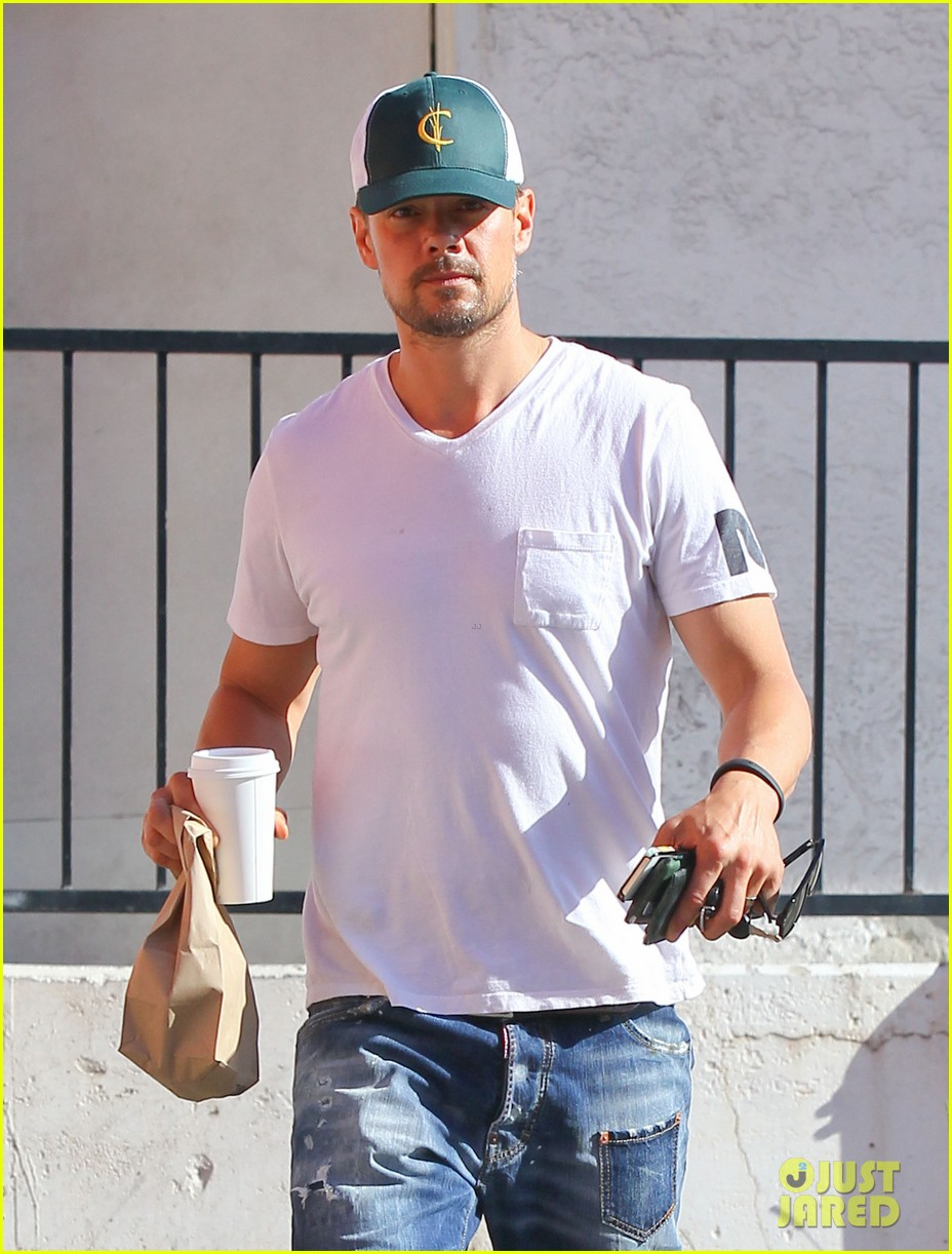 josh duhamel gets mistaken for timothy olyphant johnny knoxville 023100466