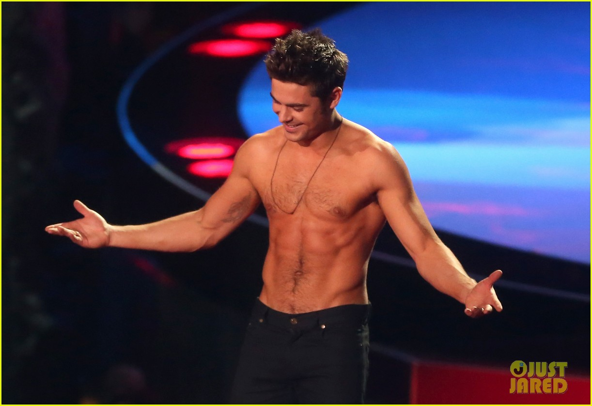 zac efron interviewed shirtless mtv movie awards 123092162