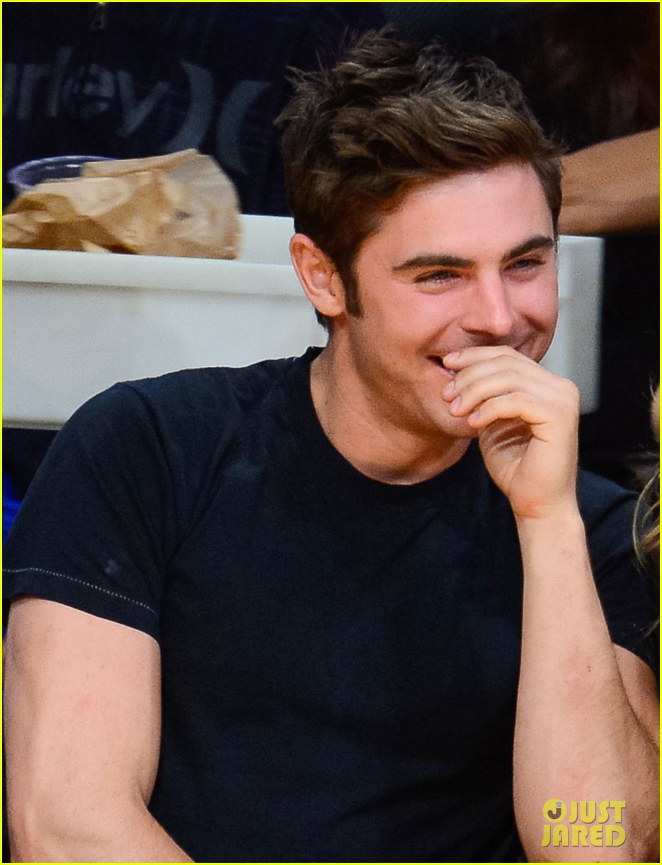 zac efron halston sage lakers game 093084975