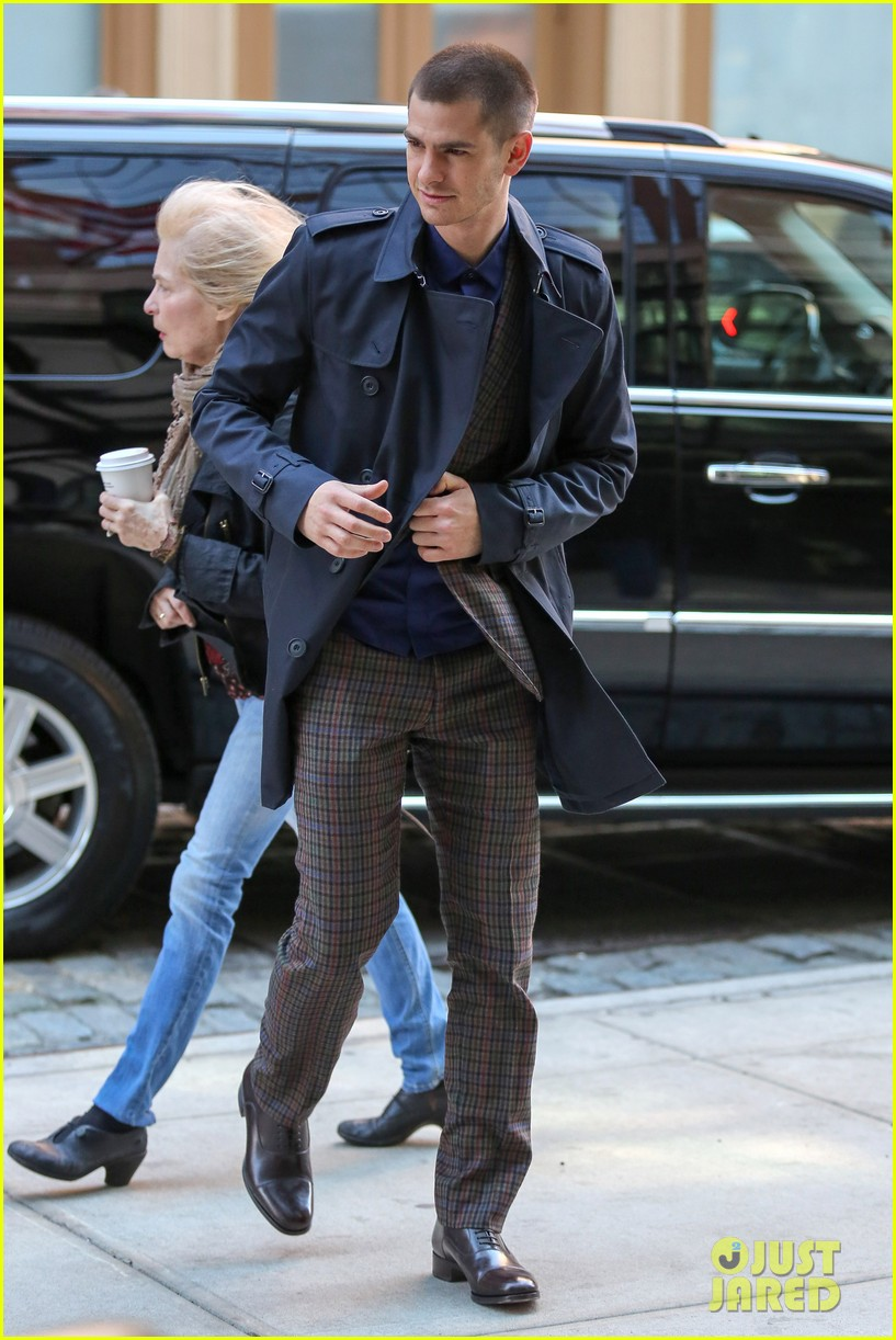 emma stone andrew garfield join amazing spider man 2 cast at gma 173098205