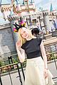 elle fanning boyfriend hold hands at disneyland 06