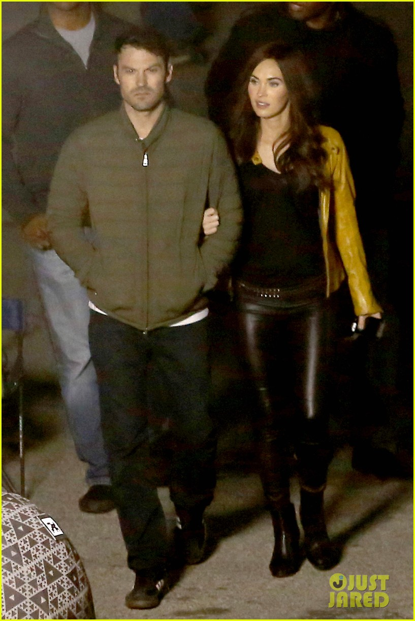 megan foxs husband brian austin green escorts his wife on tmnt set 24