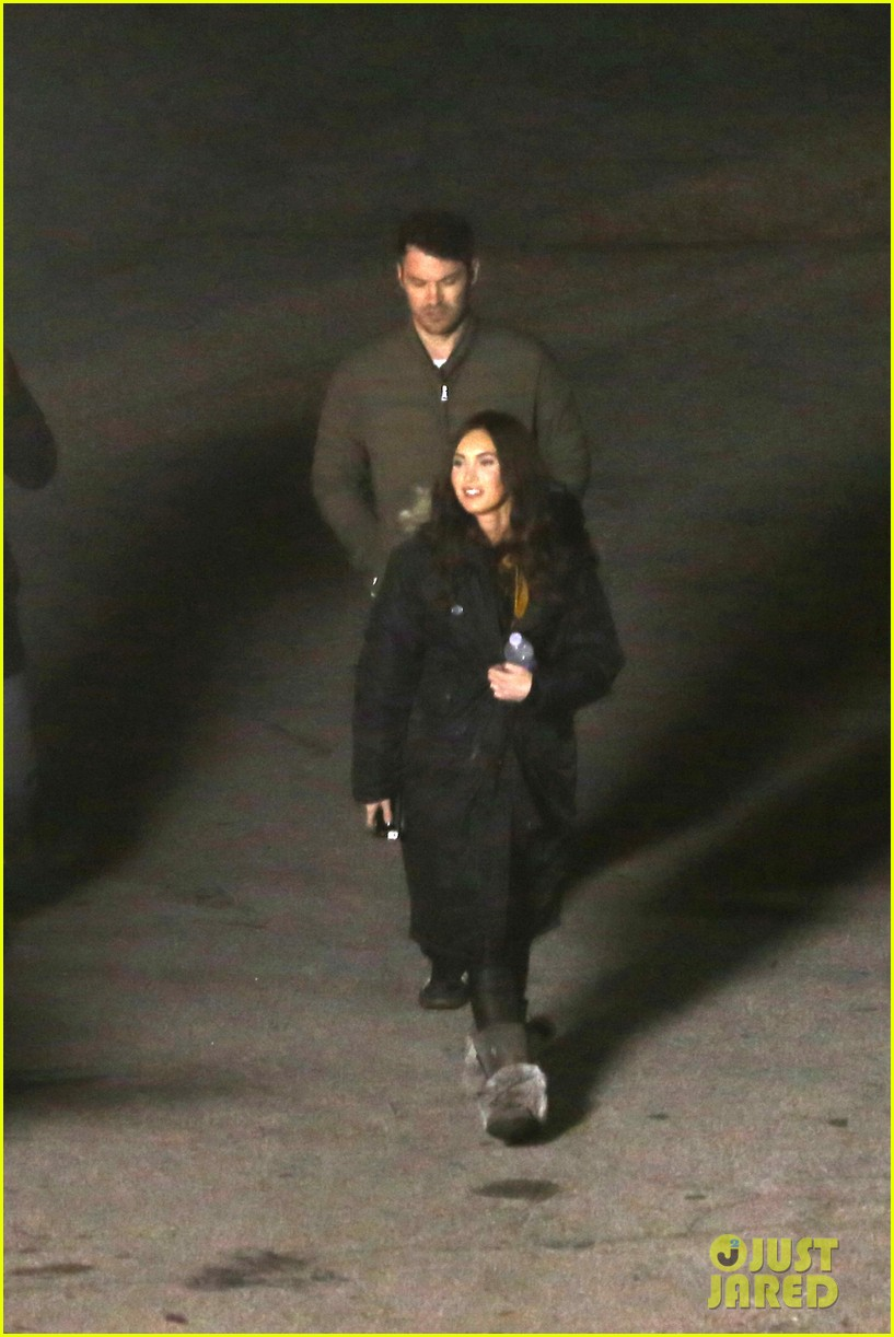 megan foxs husband brian austin green escorts his wife on tmnt set 293087548
