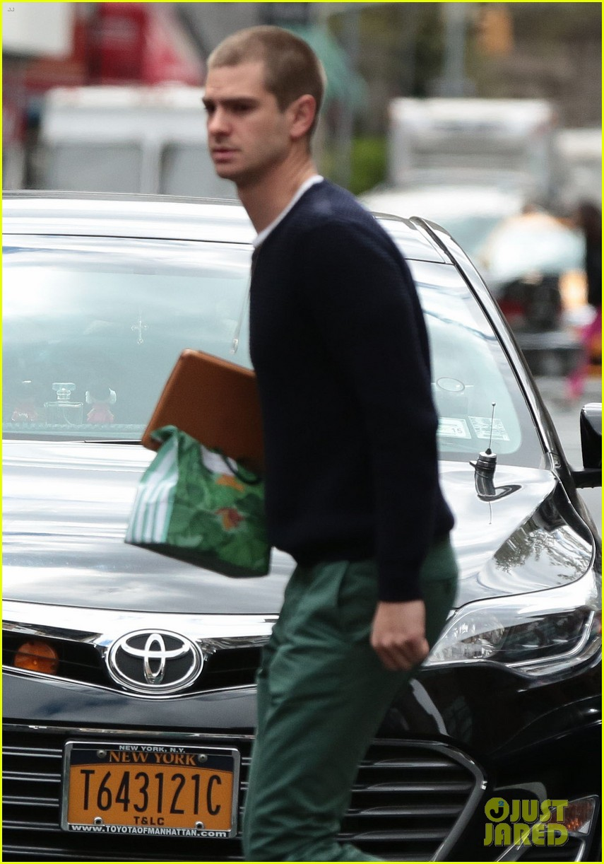 andrew garfield new buzz cut suit him well 02