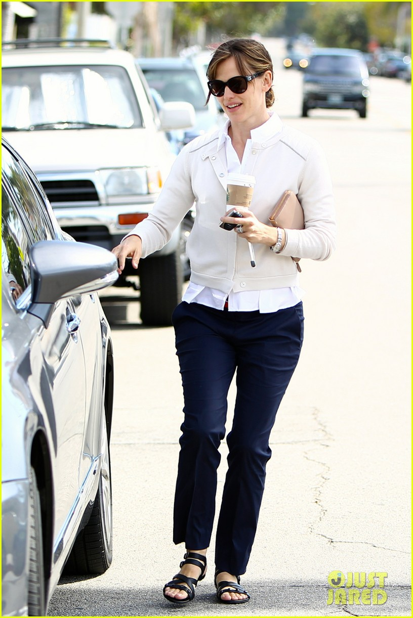 jennifer garner lines up her next project 09